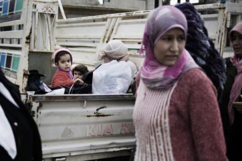 Syrian women and children fleeing from Al Qsair, a small Syrian townnear to Homs. Alessio Romenzi/Save the Children